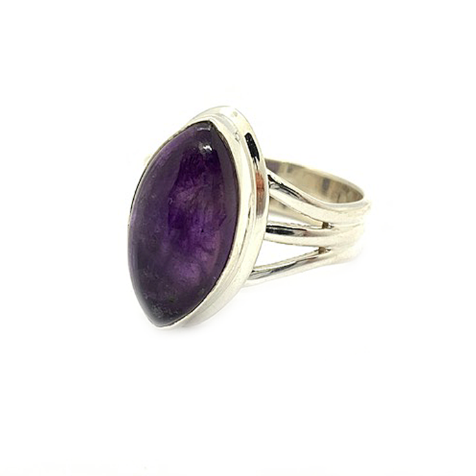 amethyst diamond shaped sterling silver gemstone ring