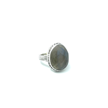 Load image into Gallery viewer, labradorite gemstone ring