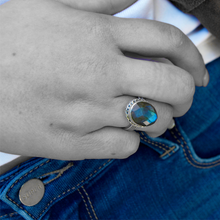 Load image into Gallery viewer, labradorite stone set in boho silver ring