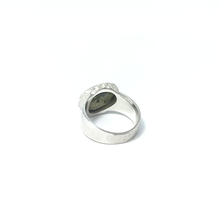 Load image into Gallery viewer, chunky labradorite brushed silver ring