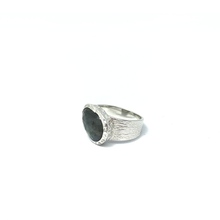 Load image into Gallery viewer, gypsy style labradorite silver ring