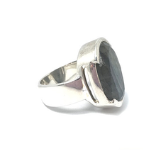 Load image into Gallery viewer, labradorite silver gemstone ring