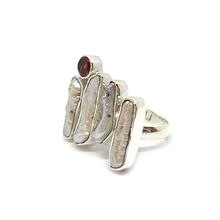 Load image into Gallery viewer, biwa pearl and garnet sterling silver ring