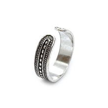 Load image into Gallery viewer, tribal style sterling silver boho toe ring