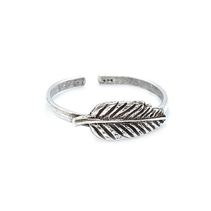 silver boho feather toe ring