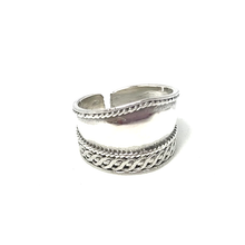 Load image into Gallery viewer, silver wide boho style toe ring