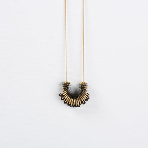 Dus- Long Black Elegant Necklace