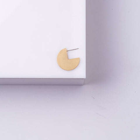 Pepi- Small Gold Round Earring