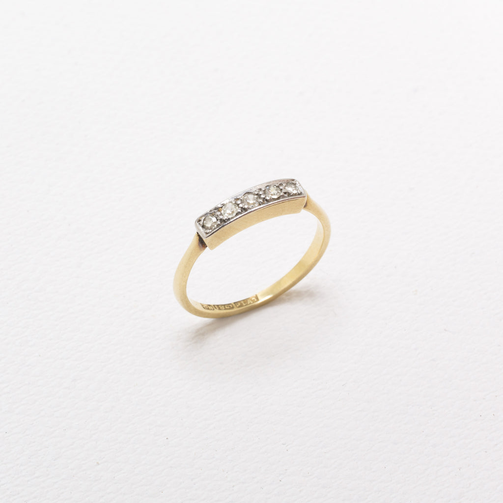 18K Gold, Vintage Ring, With 5 Diamonds