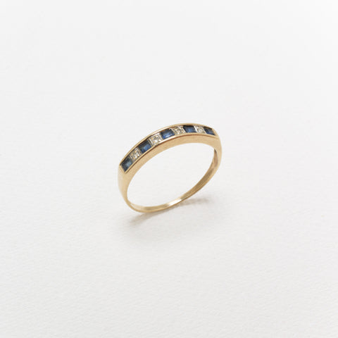 18K Gold, Vintage Ring, With 5 Sapphires and Diamonds