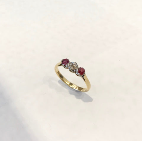 18K Gold, Vintage Ring, With Rubys and Diamond