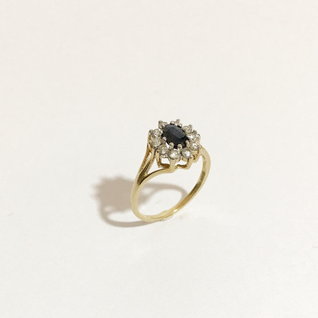 9K Gold, Vintage Ring, With Sapphire and Zircons