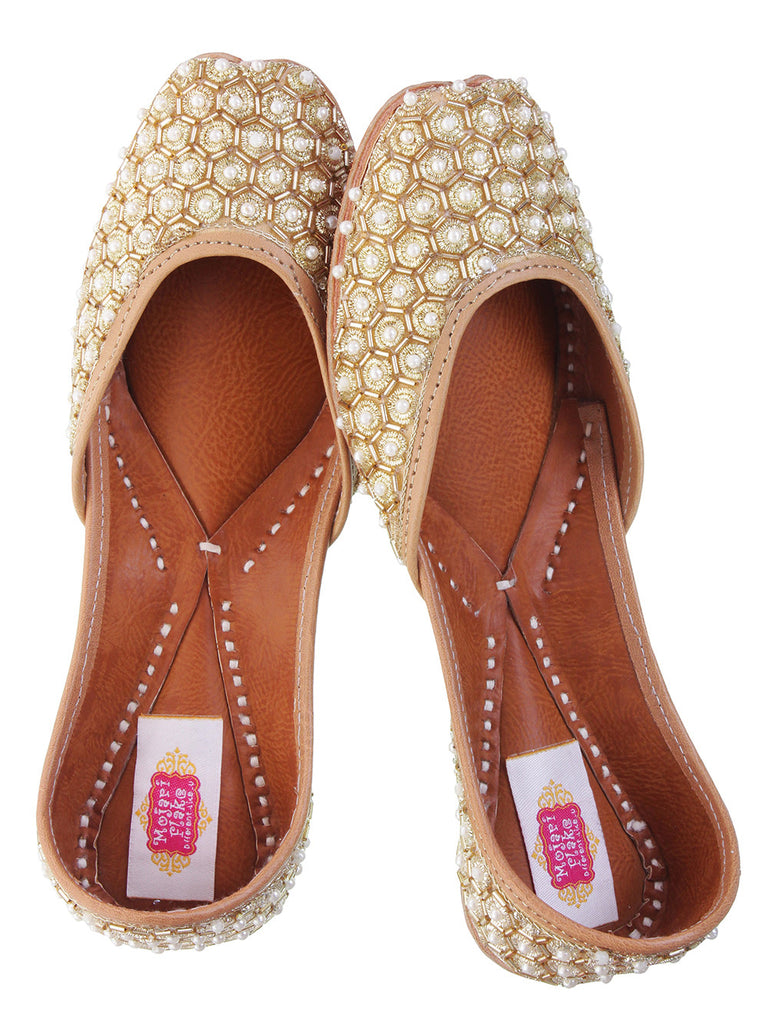 Beige Silk Base Gold Star Juttis