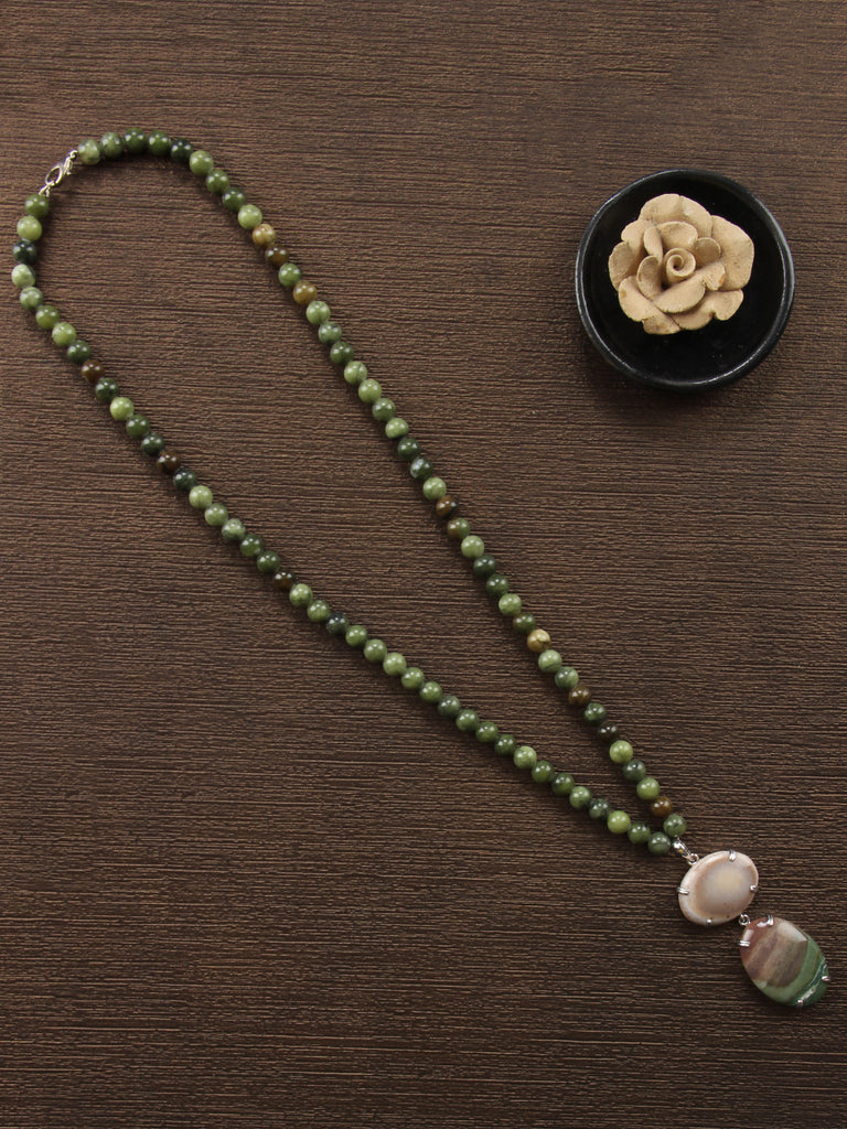 Green Grey Serpentine String with Agate Pendant Necklace