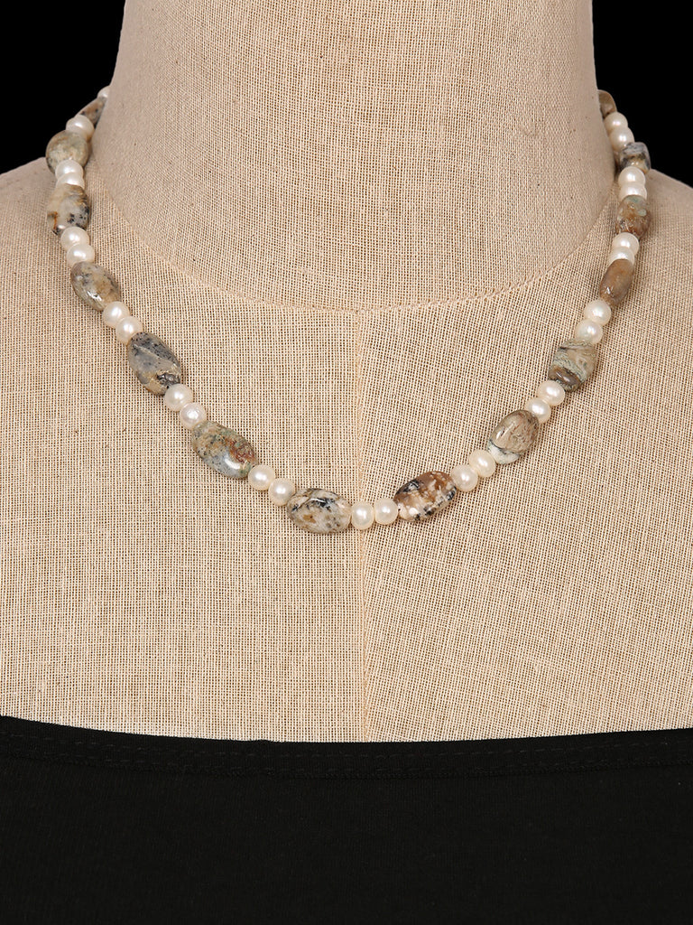 Pearl and Quartz Single Line Necklace