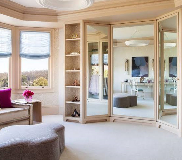 TIP 6. USE MULTI-PANELLED MIRRORS
