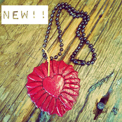 LOVE BURST NECKLACE