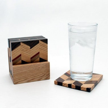 Set of 6 Checkered Coasters in Oak with Holder