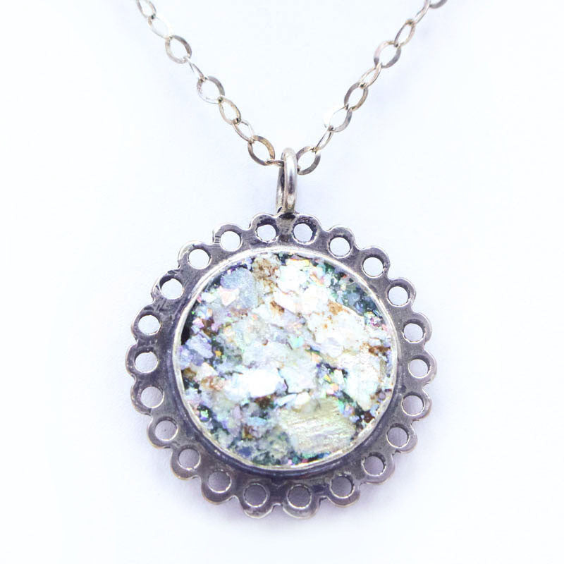 Circle Scalloped Roman Glass Necklace
