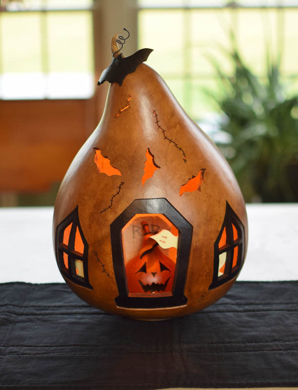 Gettysburg Ghost House Extra Large Gourd