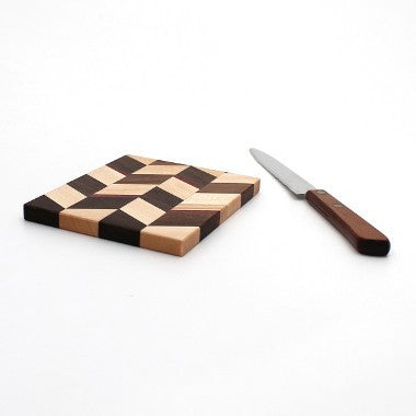 "Medium Checkered Trivet in Maple - Size 4""x5"""