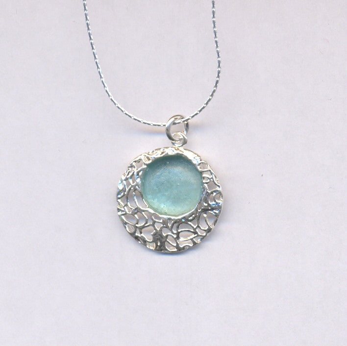 Leafy Lace Round Washed Roman Glass Necklace