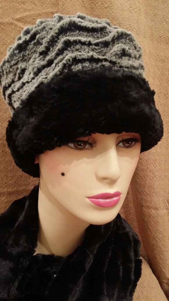Desert Sand in Charcoal with Cuddly Black Luxury Faux Fur Cuffed Pillbox Hat: Size Large