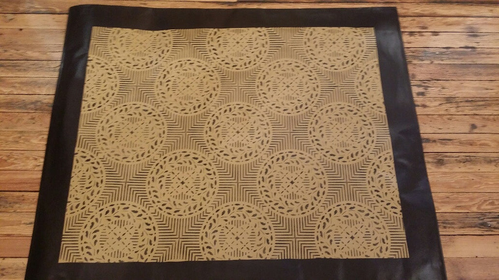 "Edward Durant House Circle Floorcloth with Border in Sage Green - Size 48"" x 60"""