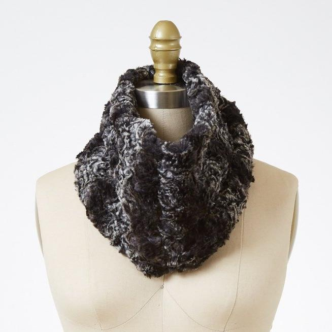 Smoky Essence Luxury Faux Fur Neck Warmer