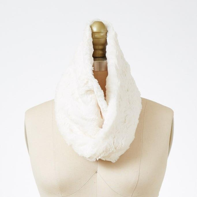Pearl Luxury Faux Fur Neck Warmer