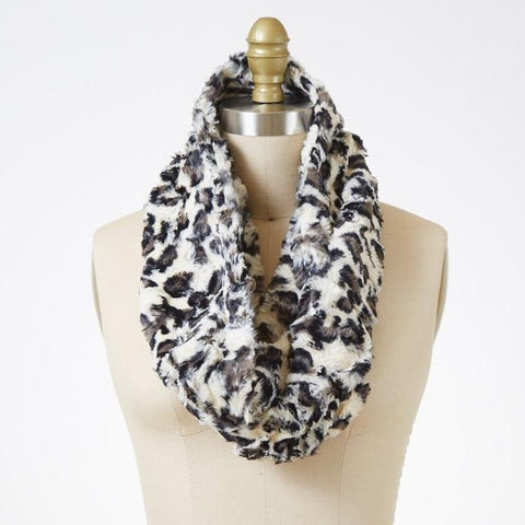 White Jaguar Luxury Faux Fur Infinity Scarf