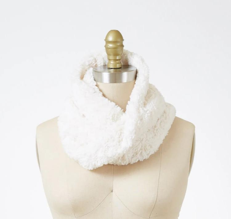 Ivory Luxury Faux Fur Neck Warmer