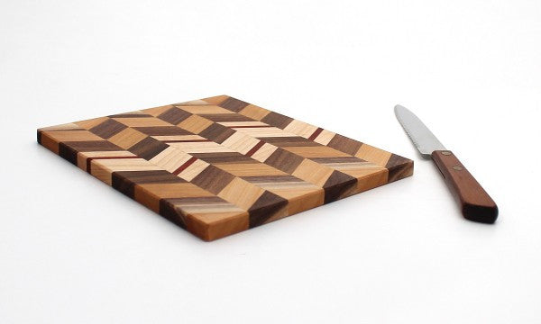 "Extra Large Checkered Trivet in Maple - Size 6""x7"""