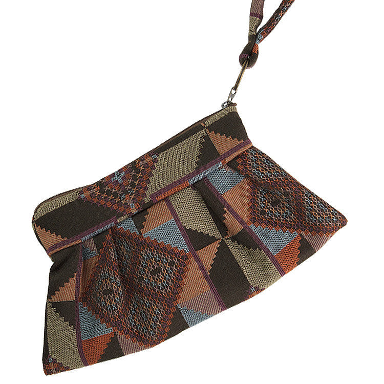 Maruca Chica Wristlet in Quilt Earth