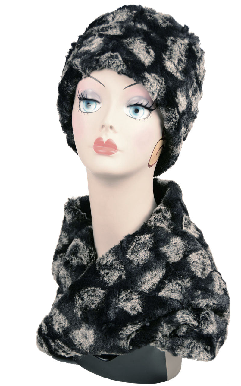 Pom-Pom in Black Luxury Faux Fur Neck Warmer