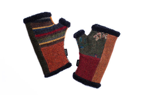 Wool Arctic Fingerless Gloves in Fall