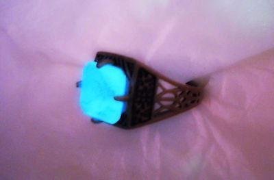 "Dwarven Artifact Ring (8,5"") - Antique Brass Stone Ring - Glow in the Dark Ring - Glowing Crystal - Soul Shards"