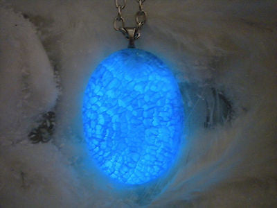 Dragon Cult Dragonstone - Glow in the Dark Natural Dragon Veins Agate - Glowing Stone Pendant - Soul Shards