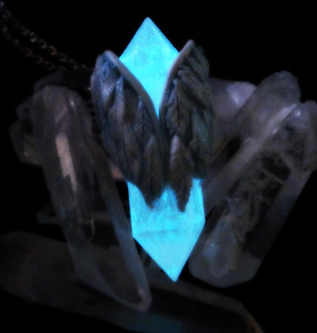 Angel and Demon Wings Crystal Pendant - Glow in the Dark Natural Crystal - Supernatural - Gothic - Soul Shards
