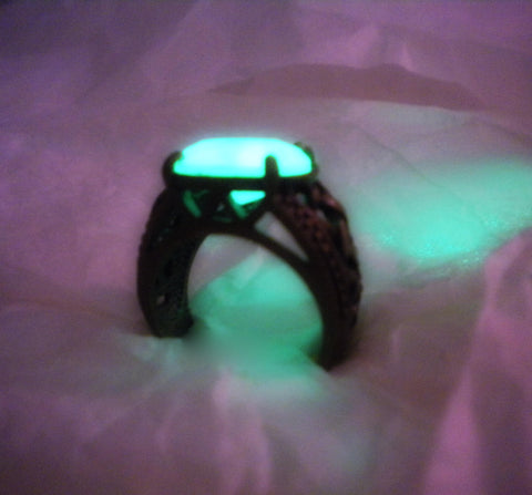"Celtic Knot Glow in the Dark Ring (size 8"") - Antique Brass Stone Ring - Amulet Jewelry - Soul Shards"