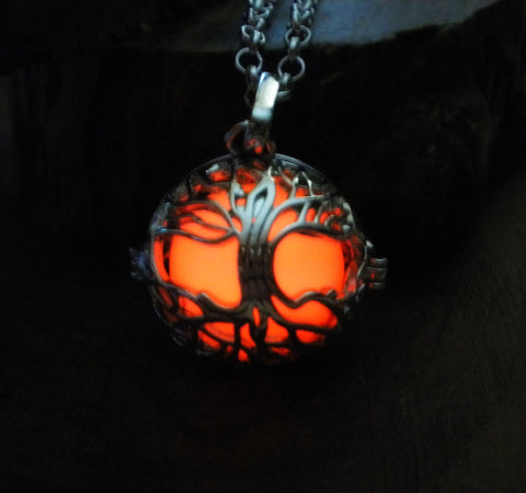 Tree of Life Glowing Locket Necklace Pendant - Nature Druid Elven Magic Jewelry - Soul Shards