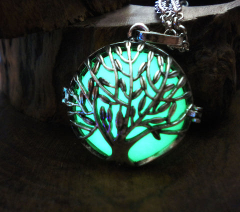 Yggdrasil Tree of Life Glowing Locket Necklace Pendant - Nature Druid Elven Magic Jewelry - Soul Shards