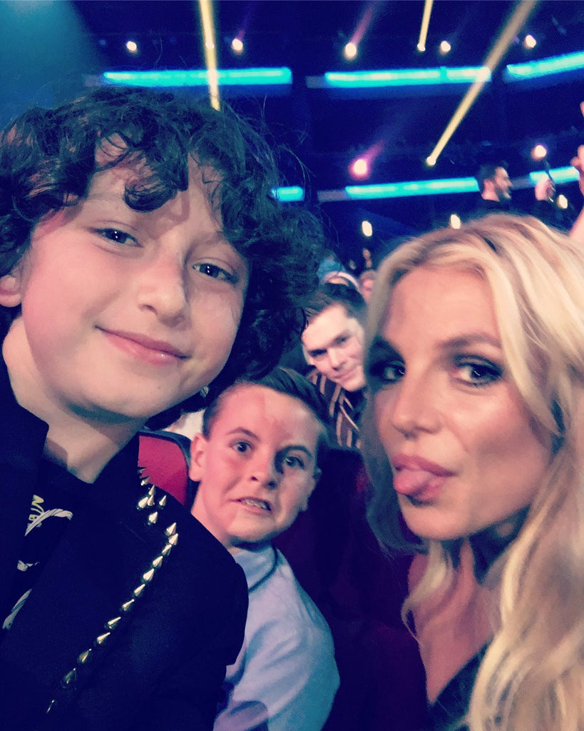 Funny selfie  with #britneyspears (& son Sean Preston) at the 2017 #RDMA Watch tonight at 7pm on #DisneyChannel