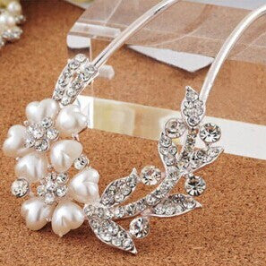Fashion Jewelry Angel Design Pearl And Crystal Handwear Hair Combs Headbands Hair Jewelry for women - Hespirides Gifts