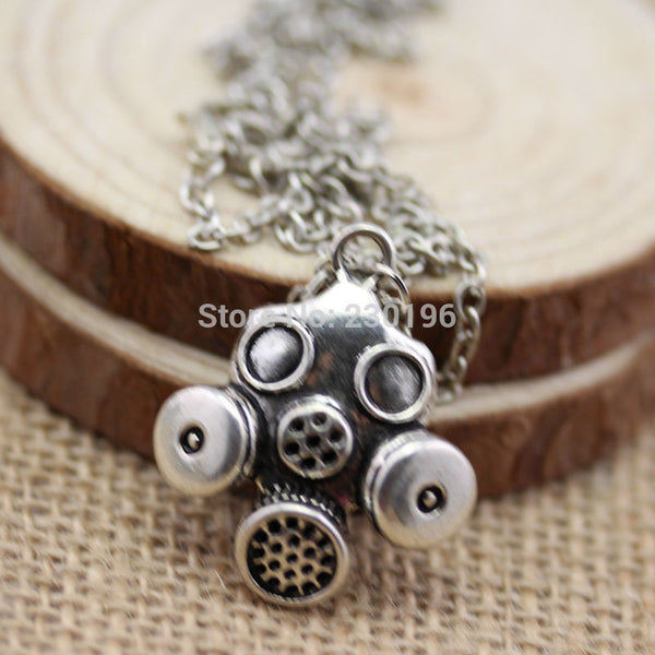 Doctor Who Gas Mask Necklaces Steampunk Neo Victorian Gothic Zombie Apocalypse Cyber Goth - Hespirides Gifts
