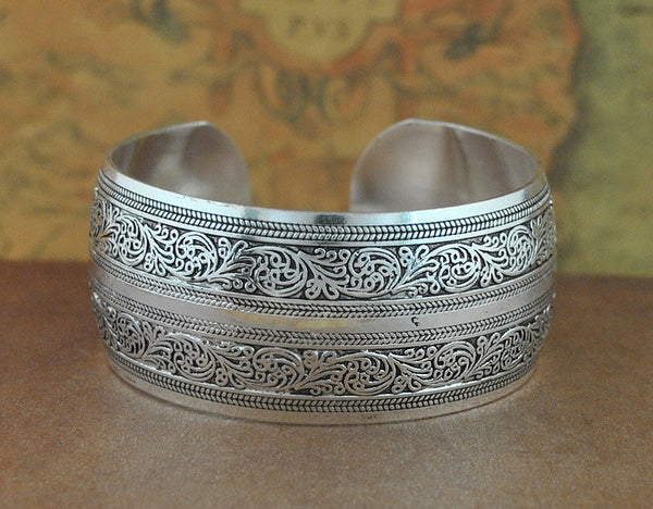 Factory Wholesale Tibetan Jewelry Vintage Silver Bangles Antique Tibetan Silver Cuff Bracelets (Minimum order USD10) - Hespirides Gifts - 2