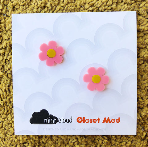 Closet Mod X Mintcloud Studio Earrings - Small Flower Studs