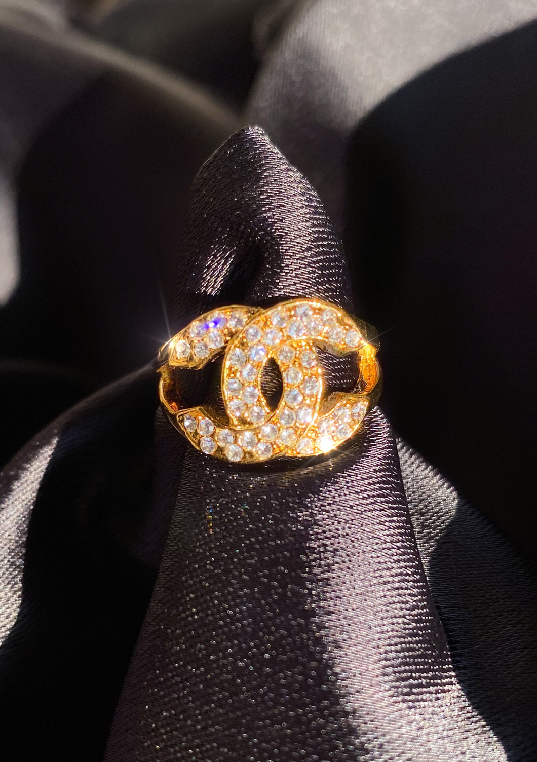 Double C Ring in Gold