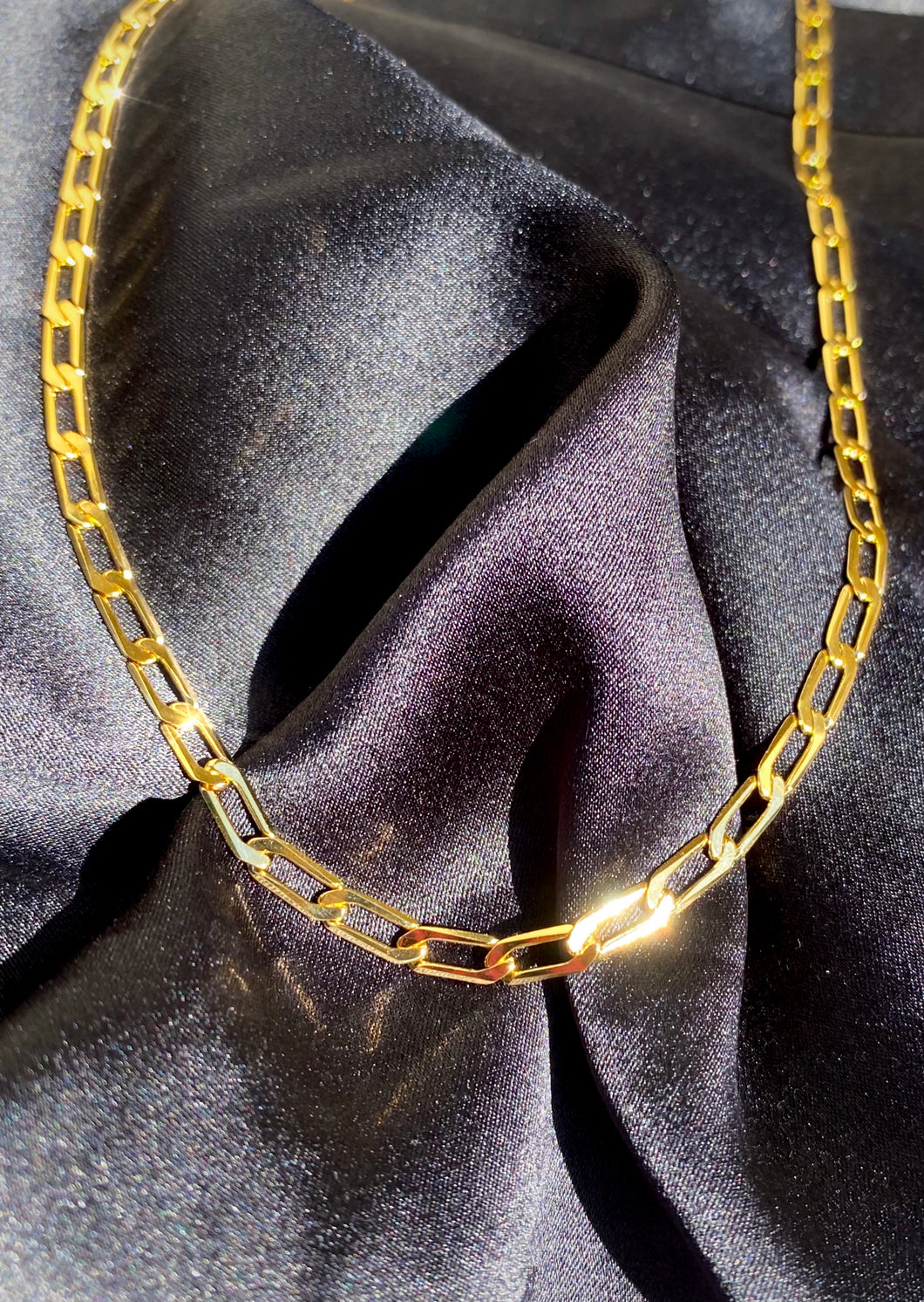 Figaro Chain Choker in Gold