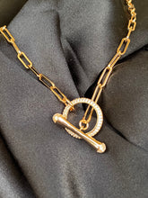 Load image into Gallery viewer, 14k Chain Link Toggle Choker